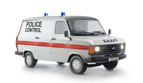 обзорное фото FORD TRANSIT UK POLICE Автомобили 1/24